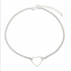 Heart detail chain choker ♥️